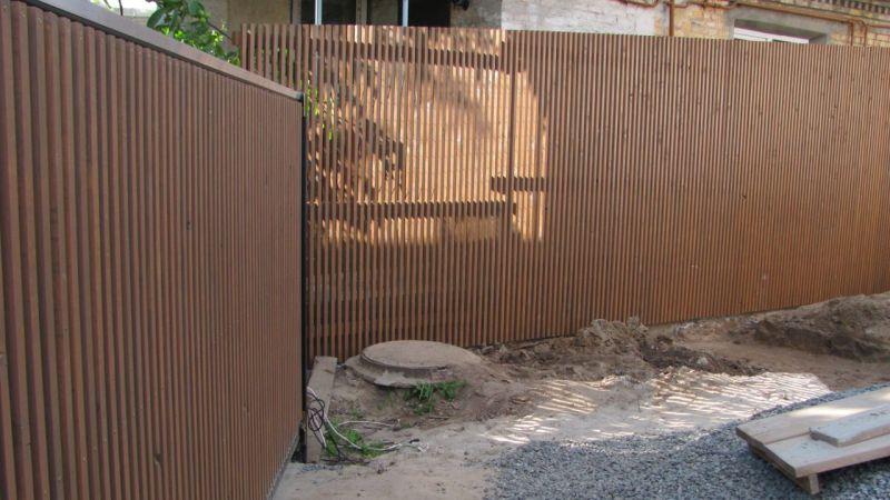 Забор деревянный штакетник узкий   Фото - 0