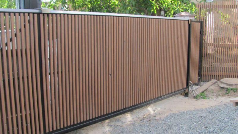 Забор деревянный штакетник узкий   Фото - 1