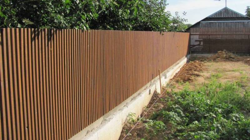 Забор деревянный штакетник узкий   Фото - 3