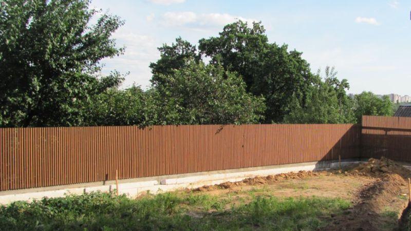Забор деревянный штакетник узкий   Фото - 4