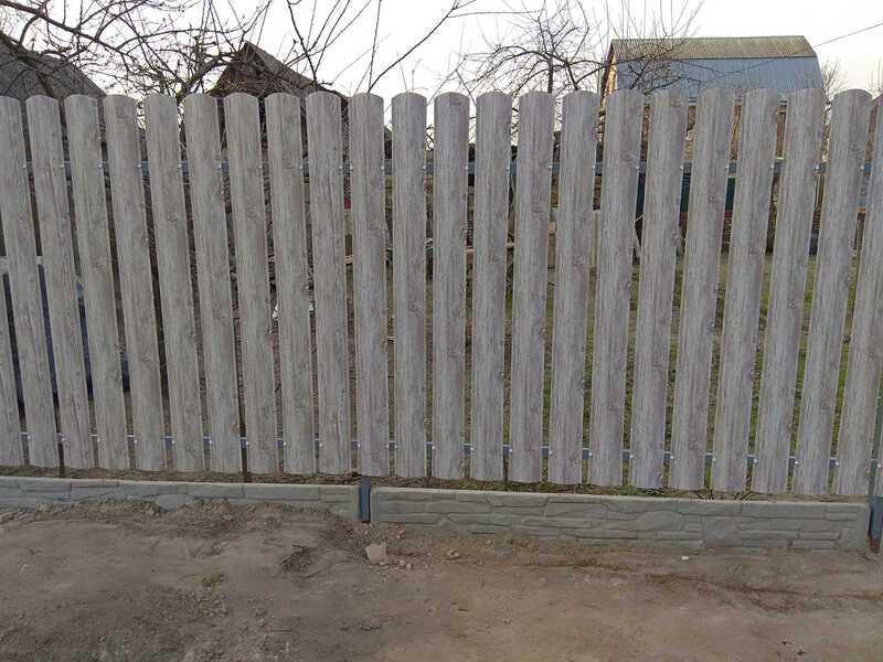 Забор из металлического штакетника   Фото - 2